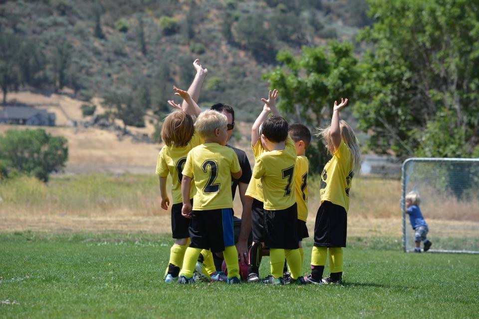 Nogometni trenerji bodimo otrokom za vzgled